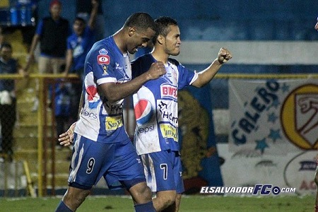 """Héctor """"Pito"""" Ramos #9 (Foto: ElSalvadorFC.com)"""