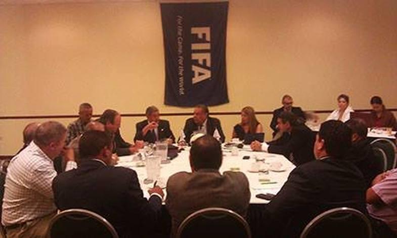 Reunión de Mayo 15 de la FPF con Delegación FIFA