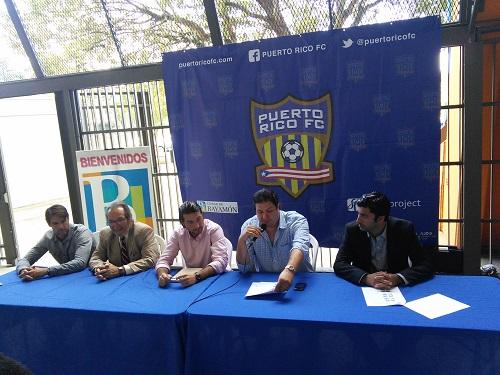 Cuerpo Técnico y Adminostración del Bayamón FC en conferencia de prensa durante el día de hoy.