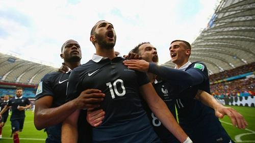 Karim BEnzema al anotar el pénalti. Foto: FIFA.com