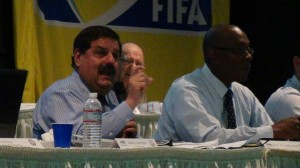 Eric Labrador en la Asamblea General de Marzo 2014. Foto: Edwin R. Jusino