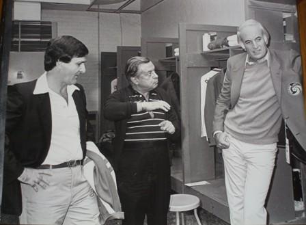Steve Ross (a la derecha) en el camerino de los NY Cosmos. Fuente: Thisiscosmoscountry.com