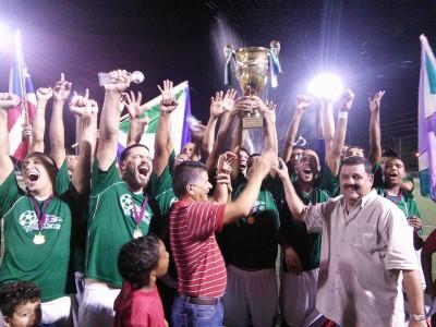 Campeones Liga Nacional 2014. por Edwin R. Jusino