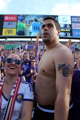 Un boricua es el lider de la barra brava del Orlando City. foto: Keyvan Heidary