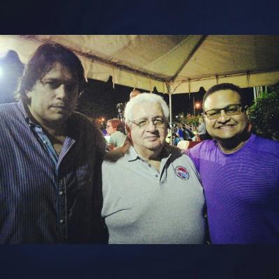 Steven Álvarez, Joe Serralta (medio) y el alcalde de caguas, Hon William Miranda Torres. Archivo