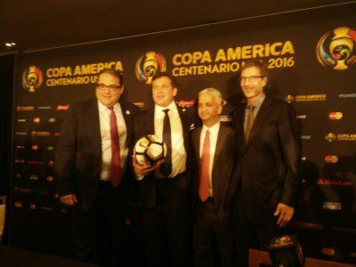 Altos ejecutivos de CONMEBOL y CONCACAF durante conferencia de prensa de ayer. Por Randy Torres