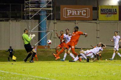 """Héctor """"Pito"""" Ramos anotando el primer gol de la franquicia de PRFC. Foto por Eric Pabón."""