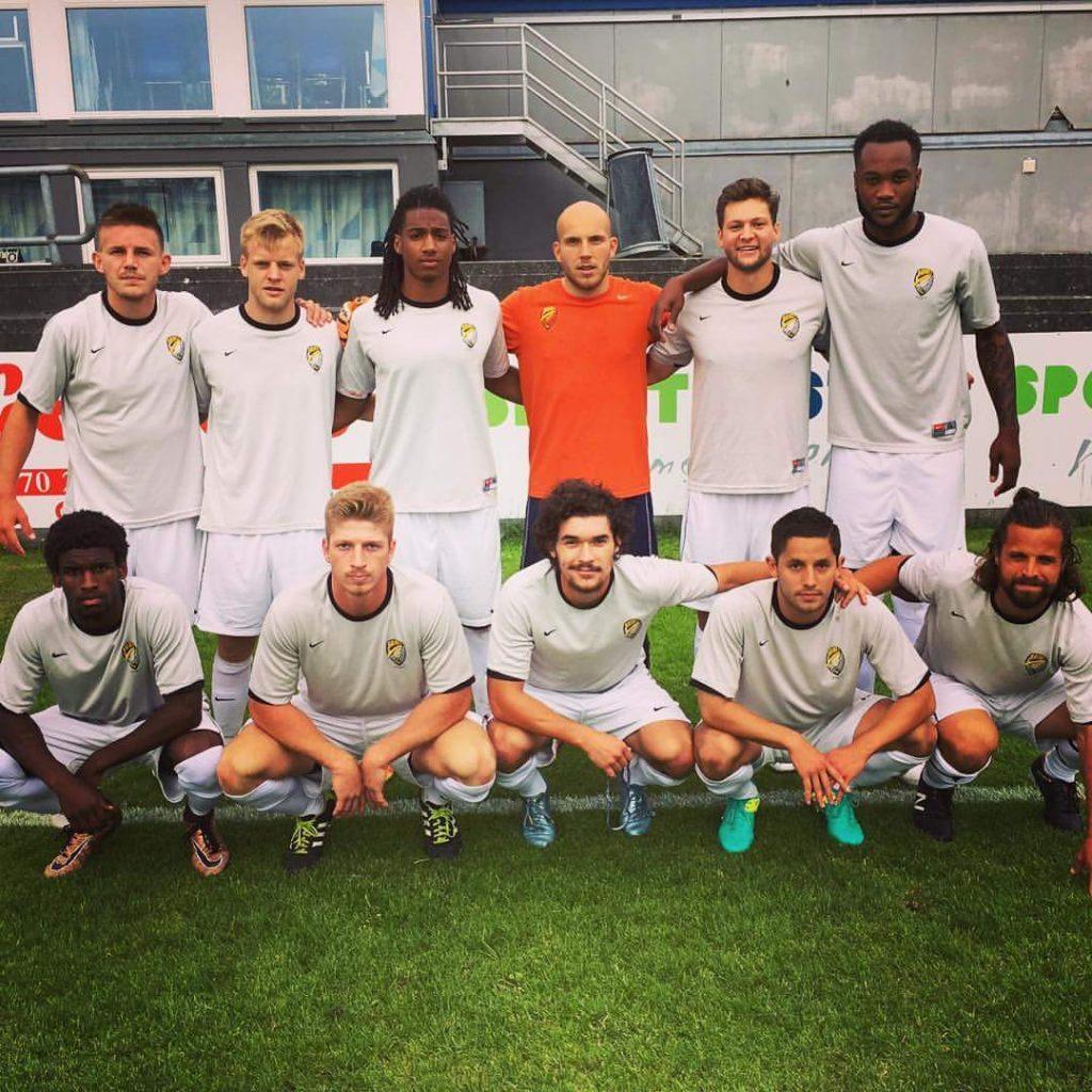 David Cabán (cuarto de izquierda derecha en la fila de abajo). FACEBOOK