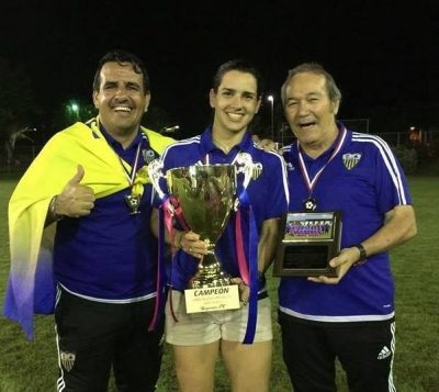 Karina Socarrás (centro) cuenta ya con 10 dianas en el Torneo Superior Clausura. Bayamón FC Facebook.