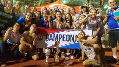 Bayamón FC festejando su bicampeonato en Cida. Suministrada