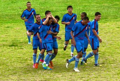 Marcos Martínez (#8) celebra un gol con su equipo el Atlético Fajardo. Extraida Facebook CAF