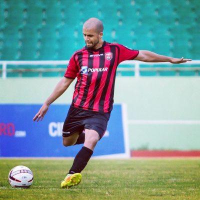 Juan Vélez, usando los colores del Bauger FC. Extraida de Facebook.