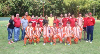 Caguas Sporting, Santos FC y miembros del gobierno municipal y estatal con el alcalde William Miranda Torres. Suminsitrada