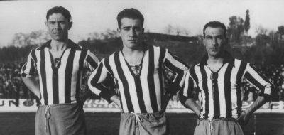 Los tres jugadores atléticos posando en garras antes de un encuentro. El centrocampista Eduardo Ordóñez (centro) dejó el Atlético en 1932. Cortesía MARCA