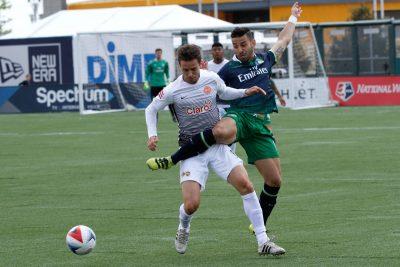 Puerto Rico FC enfrentandose al NY Cosmos ayer. Suministrada