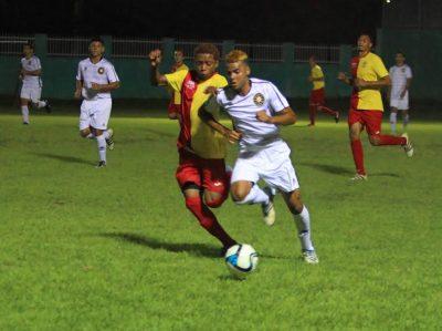 José Negrón (izquierda) fue el anotador del gol del Caguas Sporting ante el Fraigcomar al minuto 14. Julio Baez | Suministrada