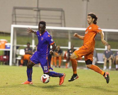 Acción del partido entre Puerto Rico FC y Miami FC. Suministrada NASL