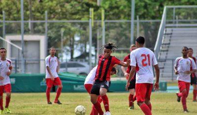 Eloy Matos del FC Mayaguez en un partido ante el Caguas Sporting FC de la Copa de la Excelencia III. Suministrada